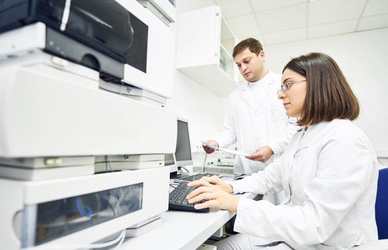 Uso de produtos Wakogel em Cromatografia Líquida de Fase Inversa